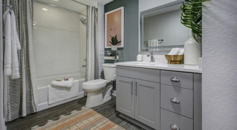 Solmar on Sixth Bathroom